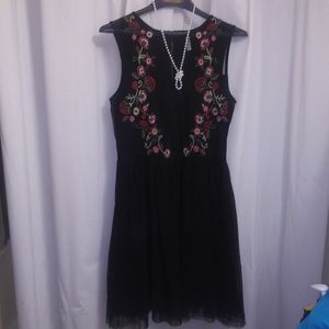 XHILERATION sleeveless midi dress